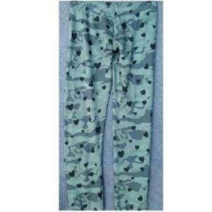 Monrow Pants - NWT Monrow Green Camo Heart Sweatpant Jogger sz XS